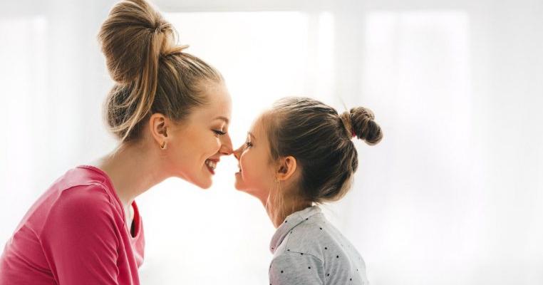 Draga mea fiică, faptul că am devenit mama ta m-a schimbat pentru totdeauna