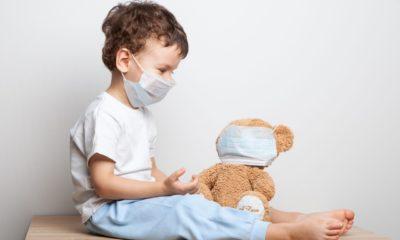 COVID-19: trebuie sa poarte si copilul masca de protectie?