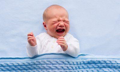Bebelușul plânge isteric. Care sunt cauzele și cum îl calmezi cu blândețe
