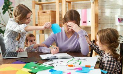 Cum e să fii profesor online și mamă a trei copii care studiază online? Mărturia unui dascăl din Suceava