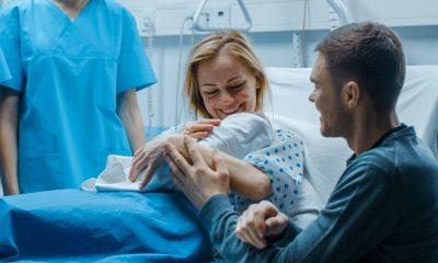 """Naștere în pandemie în UK. """"Soțul a stat cu mine, iar rezultatul la testul meu Covid a venit când eram deja acasă"""""""