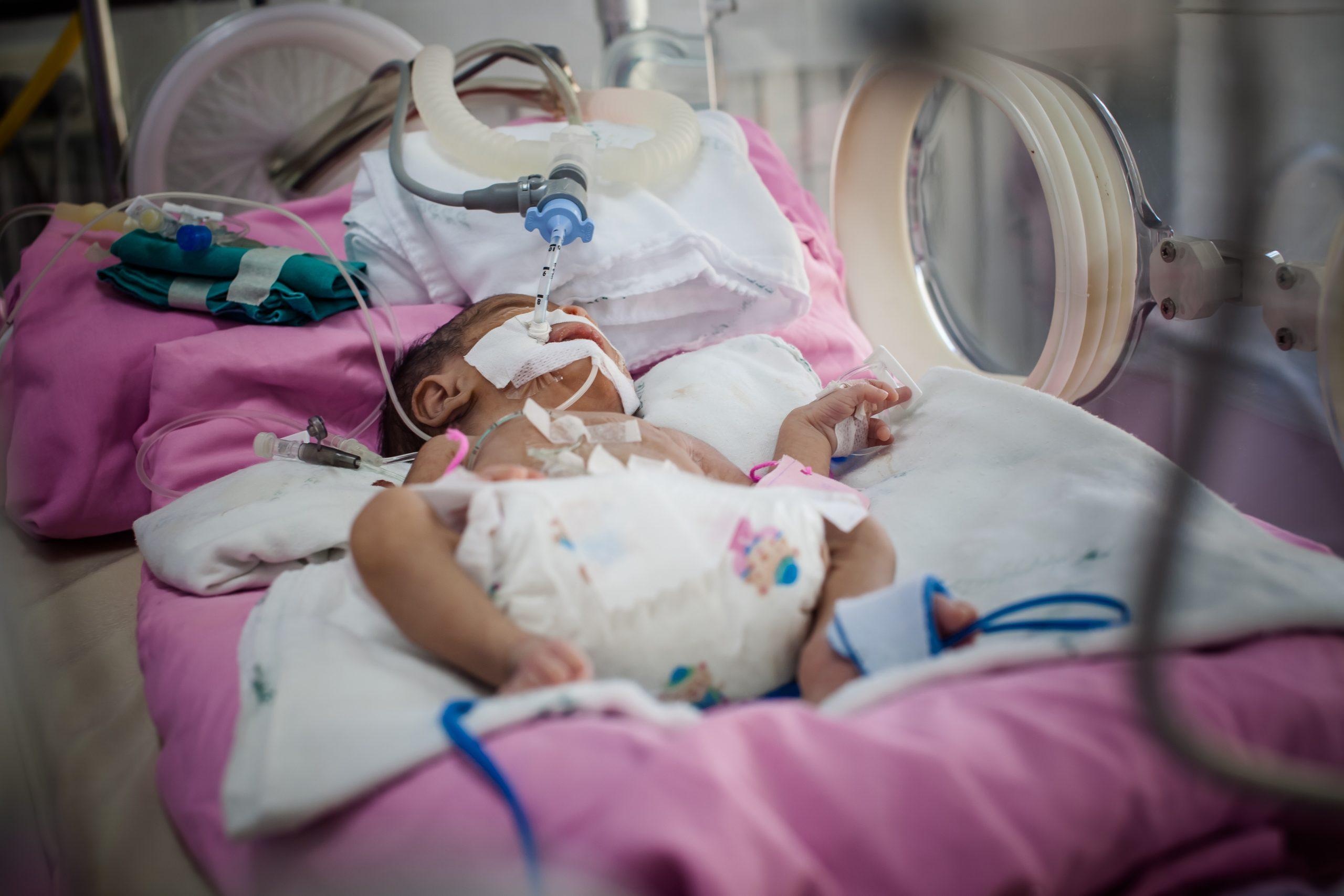 """""""Copila mea a fost intubață după naștere și mutată în alt spital, fără mine"""""""