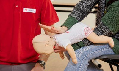 Copilul se ineaca: stii ce manevre sa aplici?
