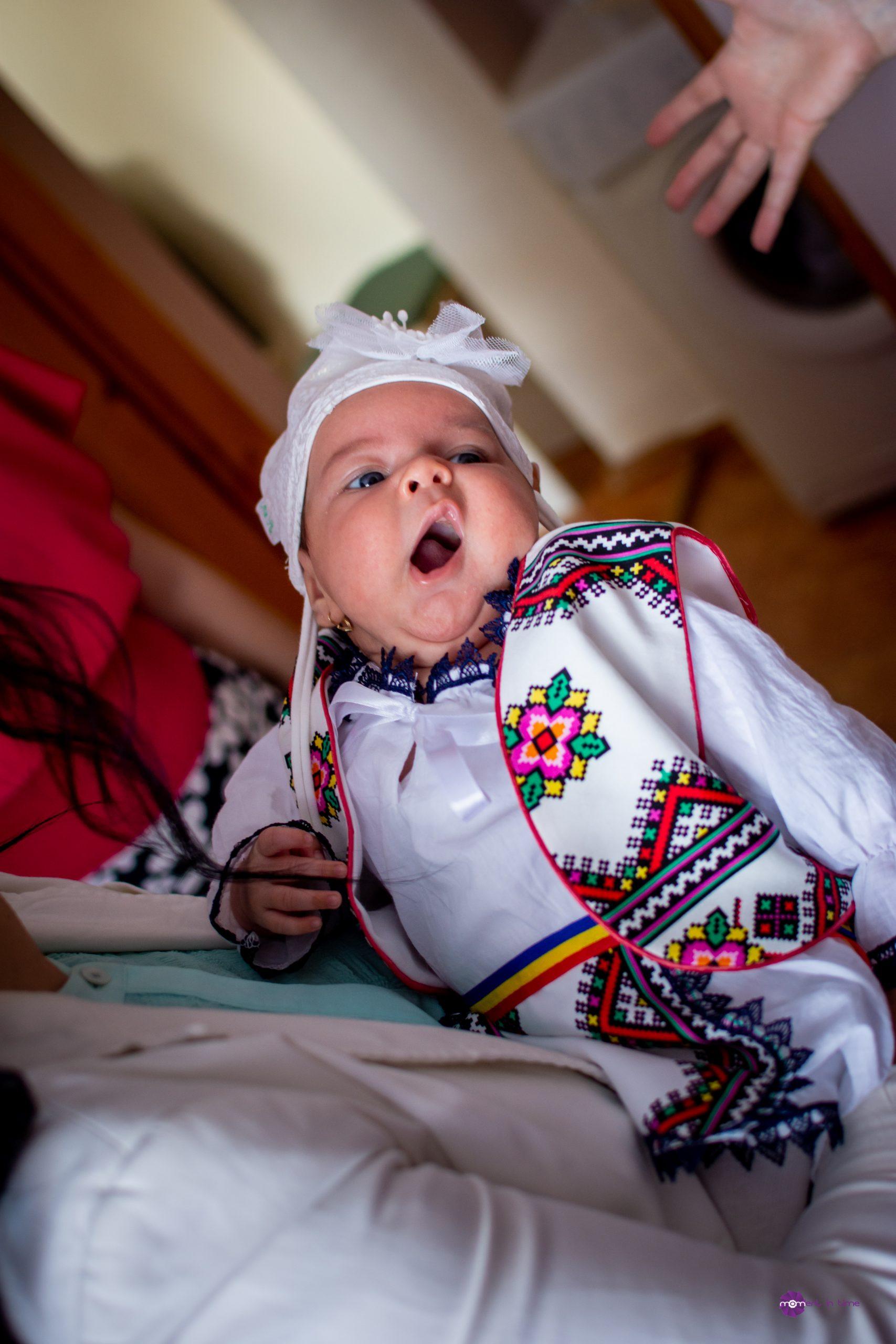 """Naștere la Alba-Iulia. """"La cât sunt de slăbuță, nu credeam că voi reuși să nasc natural un copil de 3.200 de gr și 52 de cm"""""""